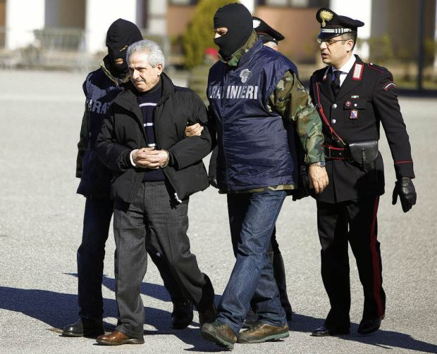 The arrest of Pasquale Condello (photo via @www.badische-zeitung.de)
