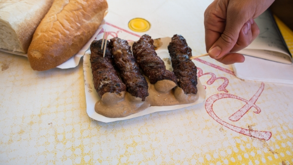Mici-from-the-Armenian-neighbourhood-shack